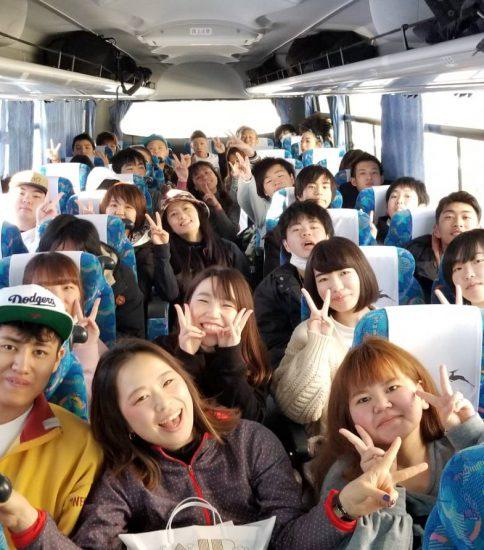 【秋桜】先生と生徒の距離が近いからなんでも話せる。学校に行くのが毎日楽しみになった